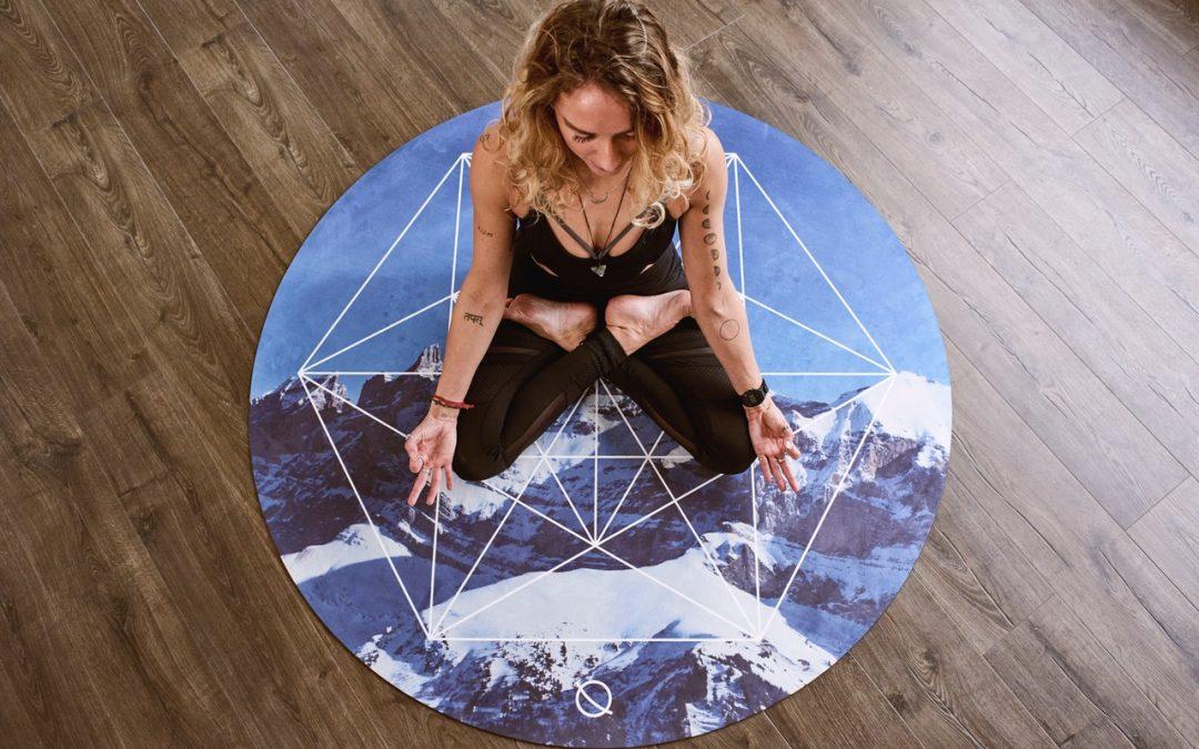 5 esercizi per fare yoga da casa